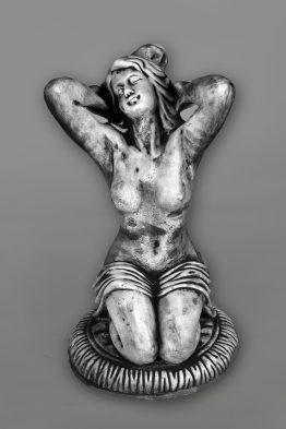 Tuinbeeld Vrouw handen in het haar Beton Tuinbeelden
