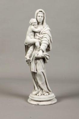 Tuinbeeld Maria Beton